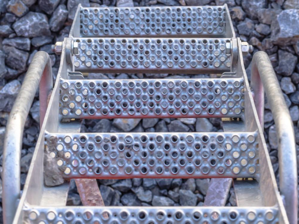 schody krata perforowane